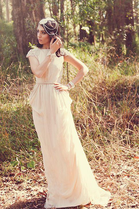 Os presentamos los elegantes vestidos de novia de la firma @Cathy Jia