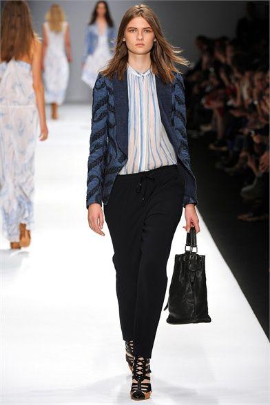 Sfilata Vanessa Bruno Paris - Collezioni Primavera Estate 2013 - Vogue