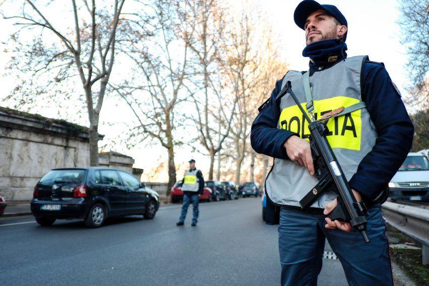 Nähe zum IS: Anschlag geplant - Italien schiebt Tunesier ab - SPIEGEL ONLINE - Politik