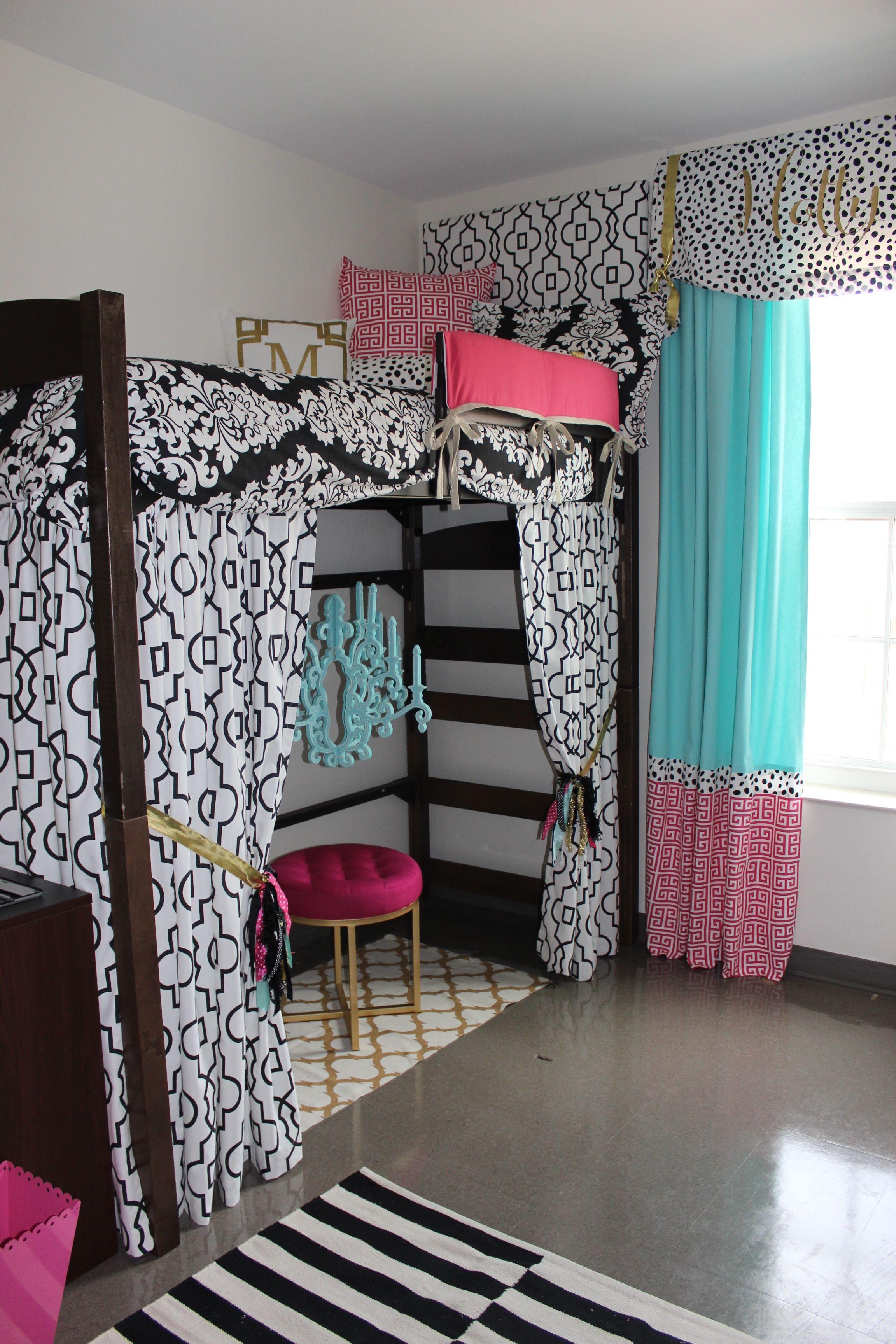 Preppy Gray Dorm Room Bedding | Pink dorm rooms, Dorm room ...