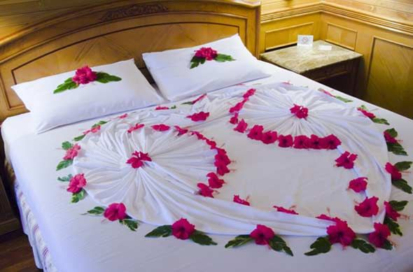 Wedding Night Room Decoration Ideas: How To Decorate Your Room For The Wedding Night