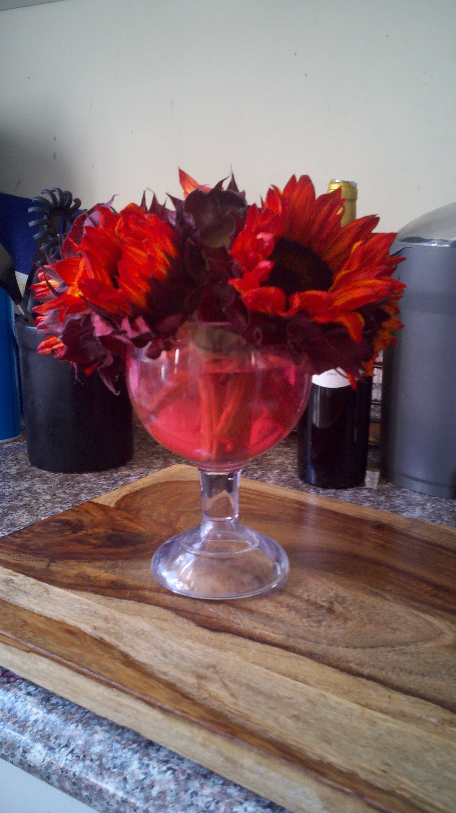 This Was Put Together Very Cheap And Easily Plus The Dye In The Stems Of The Sunflowers Turn The Water Red Which Looks Gre Wedding Celebrity Weddings Sunflower