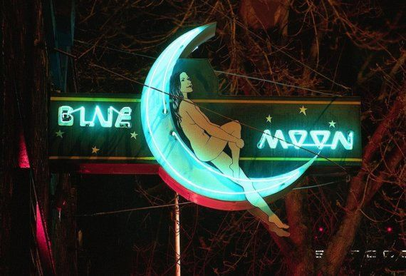 Blue Moon • Seattle, Washington