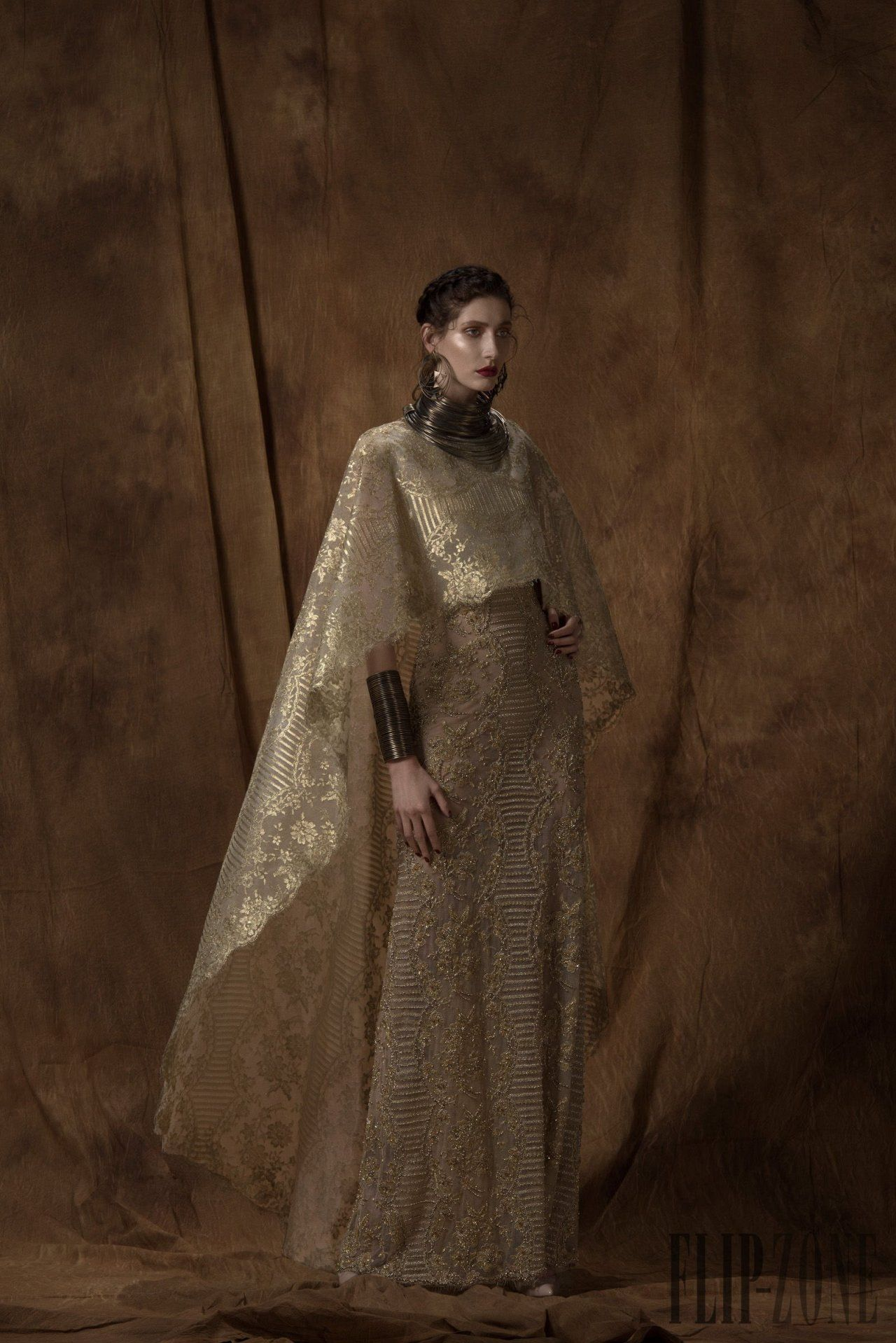 Myrish lace gown the Queen of Meereen would wear, saiid