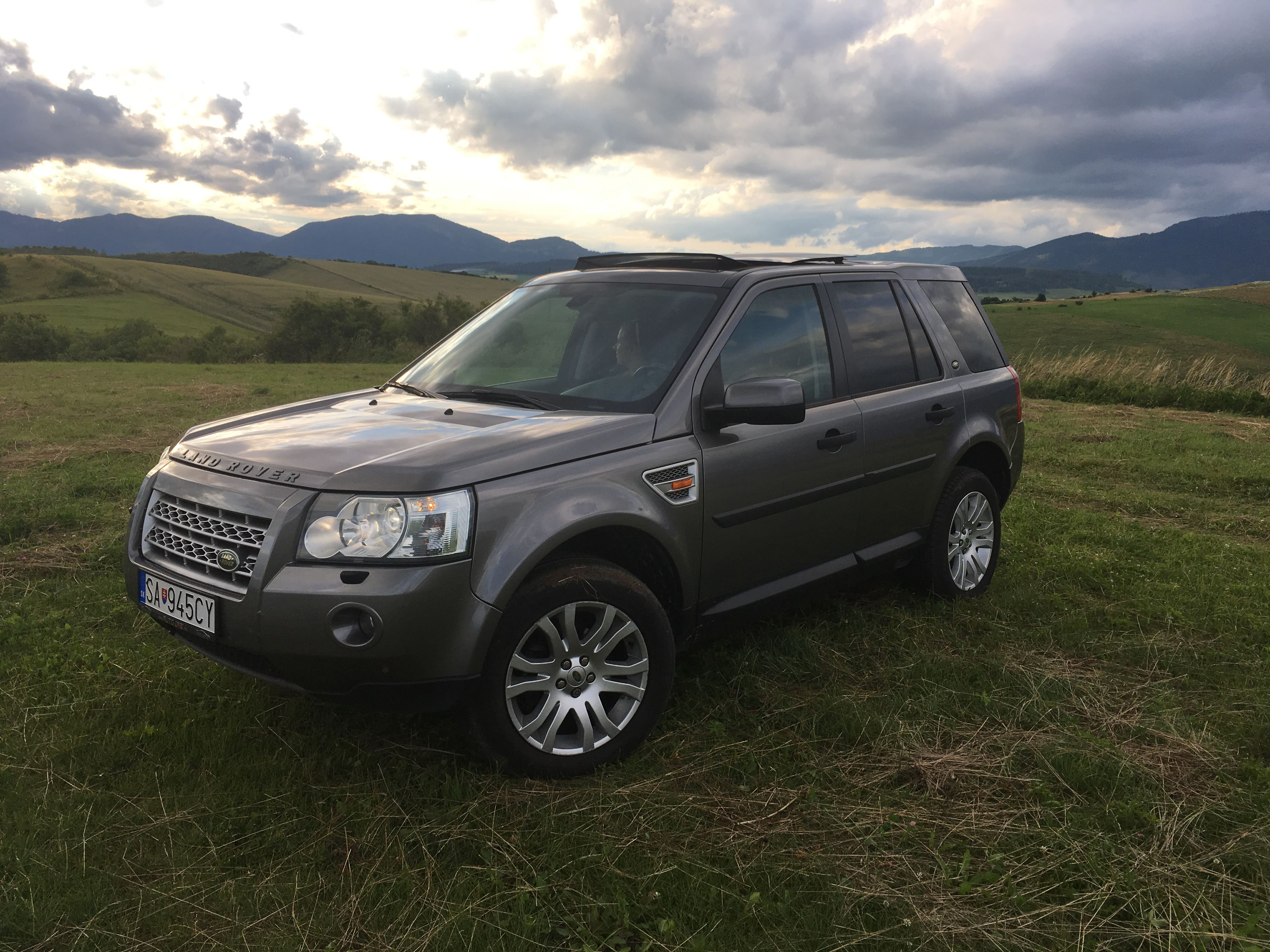 title vehicles qatar img compressor landrover rover copy living land silver suspension