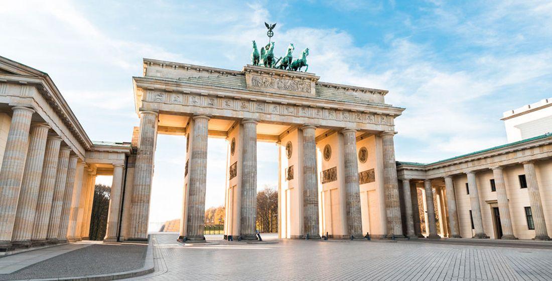 Stadtereise Nach Berlin Mit Ubernachtung Und Flug Fur Nur 229 Mit Bildern Brandenburg Ferien Buchen Ferien Reisen