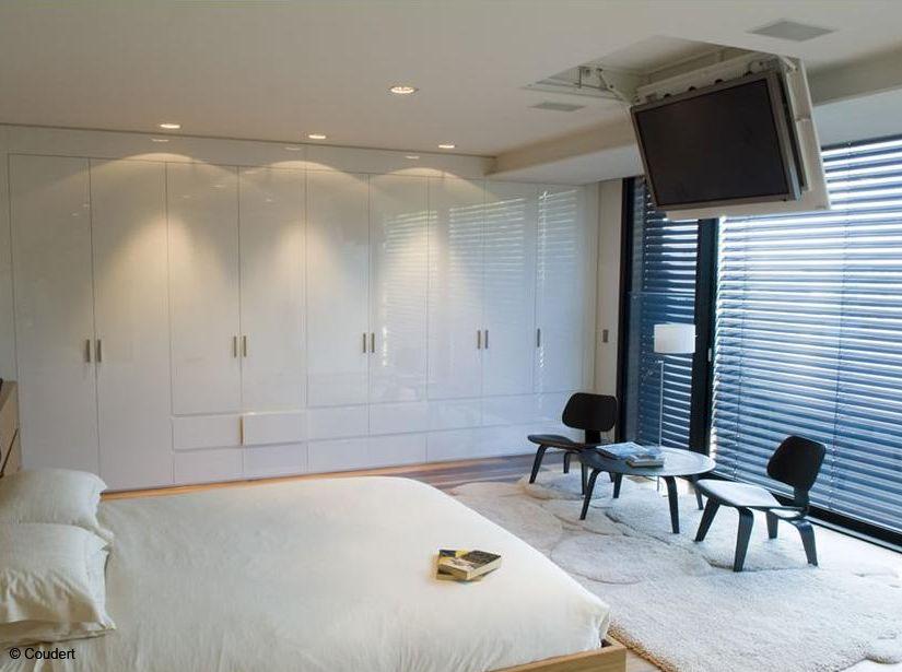 Tous Nos Conseils Pour Bien Installer Votre TV Tv Plafond Et Mur - Meuble tele en placo pour idees de deco de cuisine