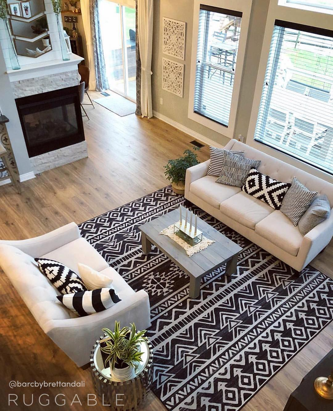 The Linear Aztec Black Washable Rug