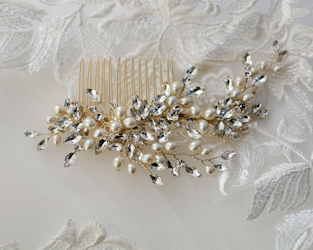 Oval Pearls Crystal Wedding Hair Comb In 2020 Gold Hair Comb Wedding Crystal Wedding Gold Hair Comb