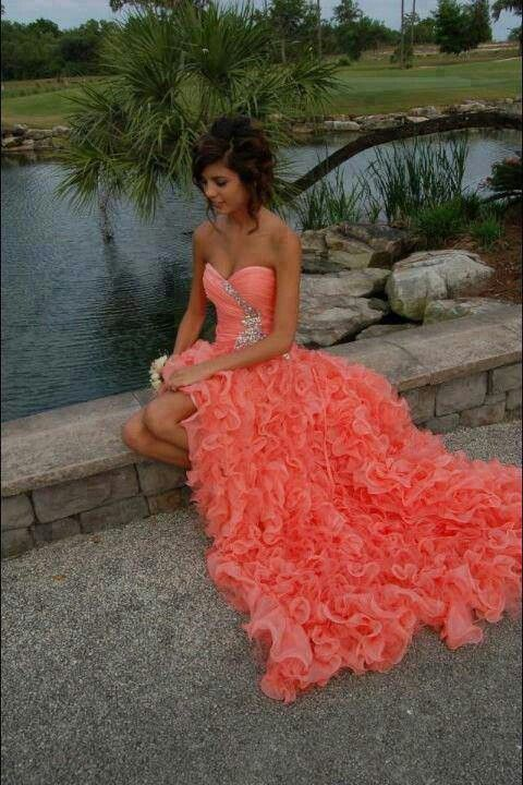 Maybe... YES! I love the whole dress and its colors. I also love that hair!!! =)