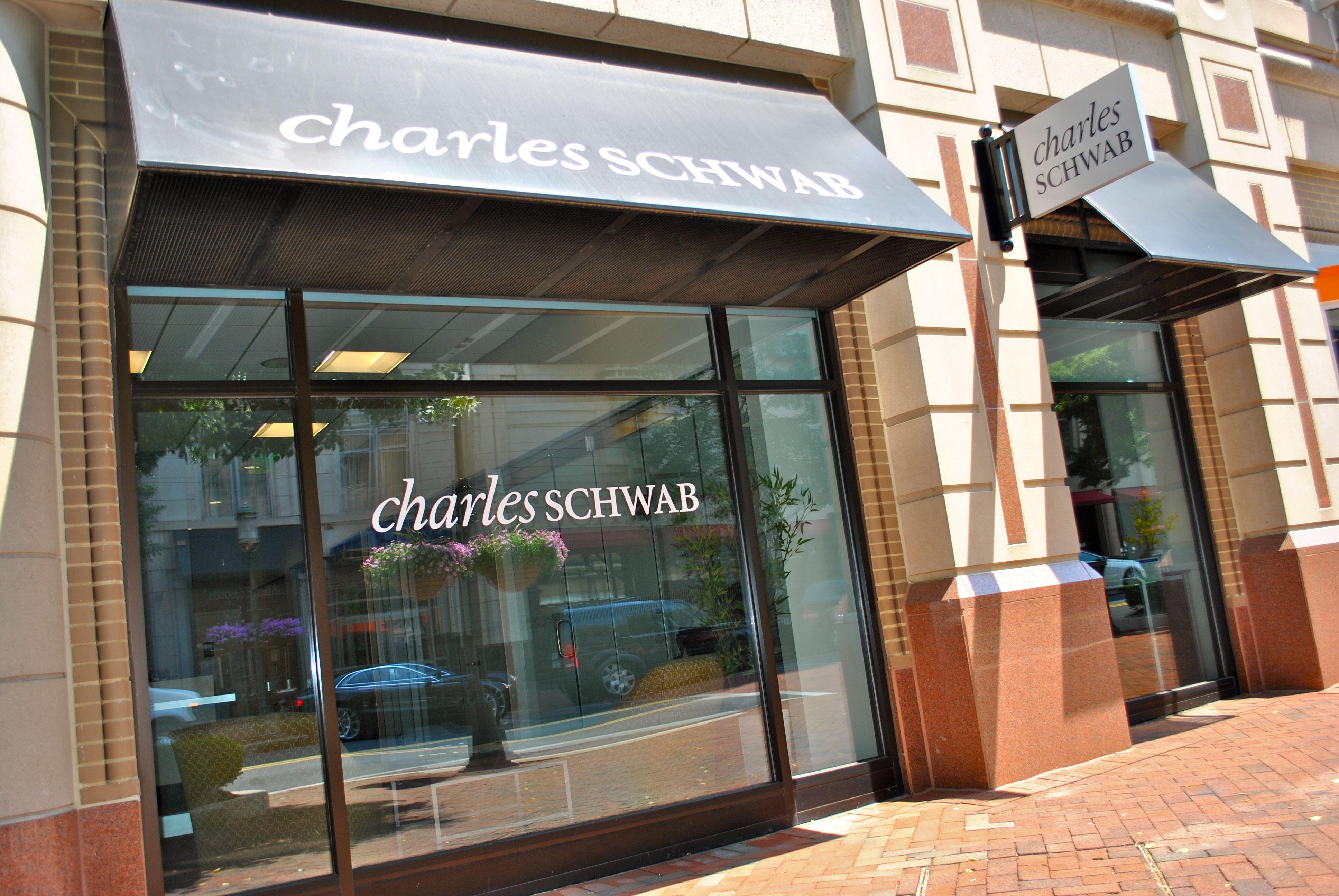 Charles Schwab On Market Street In Reston Town Center Reston