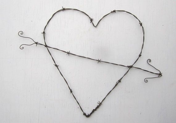 Gnarly Barbs Large Rustic Barbed Wire Heart With Arrow | out in the ...