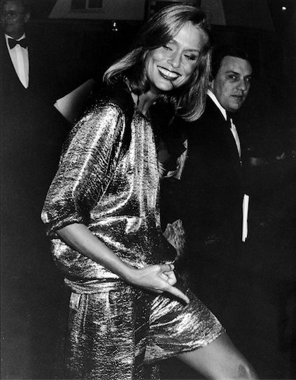 Lauren Hutton poses TOPLESS and flashes her bum in very