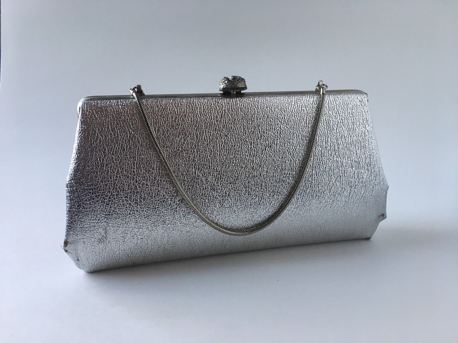 72baf414cf1f Vintage Silver Clutch Evening Bag Minaudière with Chain Purse 1950s 1960s   purses1950s  1950seveningbags