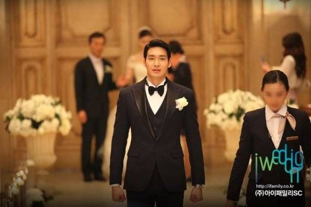 God S Gift 14 Days Actor Jung Gyu Woon Ties The Knot With Girlfriend Of Three Years Actors Private Wedding Tie The Knots