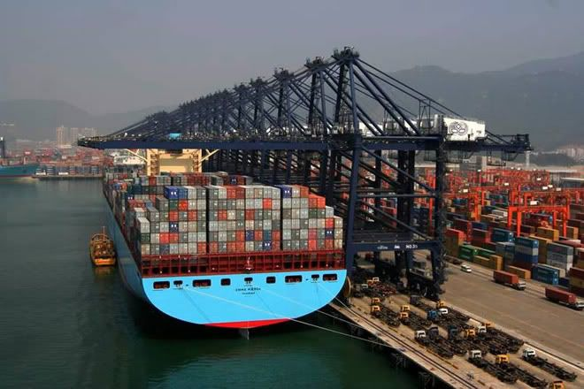 Massive Chinese Maersk Line Container Ship   All about containers
