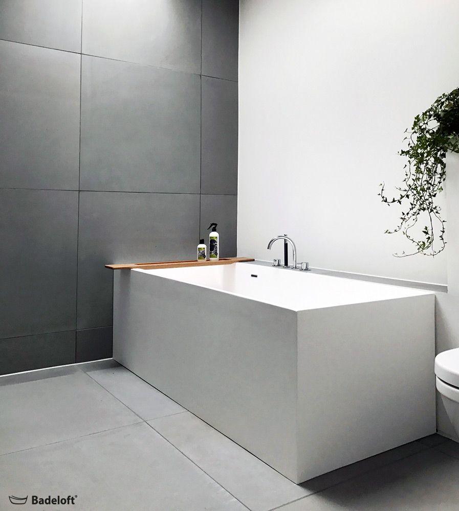 Eine Frei Im Raum Stehende Badewanne Ist Der Inbegriff Fur In Modernes Bad Badeloft Freistehende Badewanne Bathtub Freestanding Badewanne Baden Badezimmer