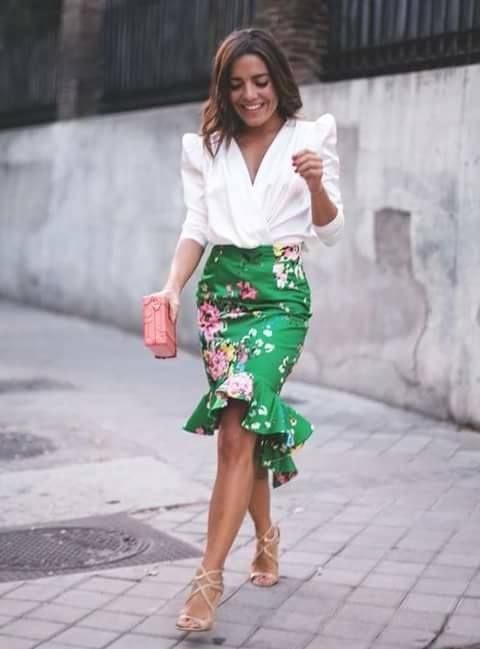2555df3c4 Pin de Beauty and Fashion Ideas en Outfits con olanes ¡Una de las ...