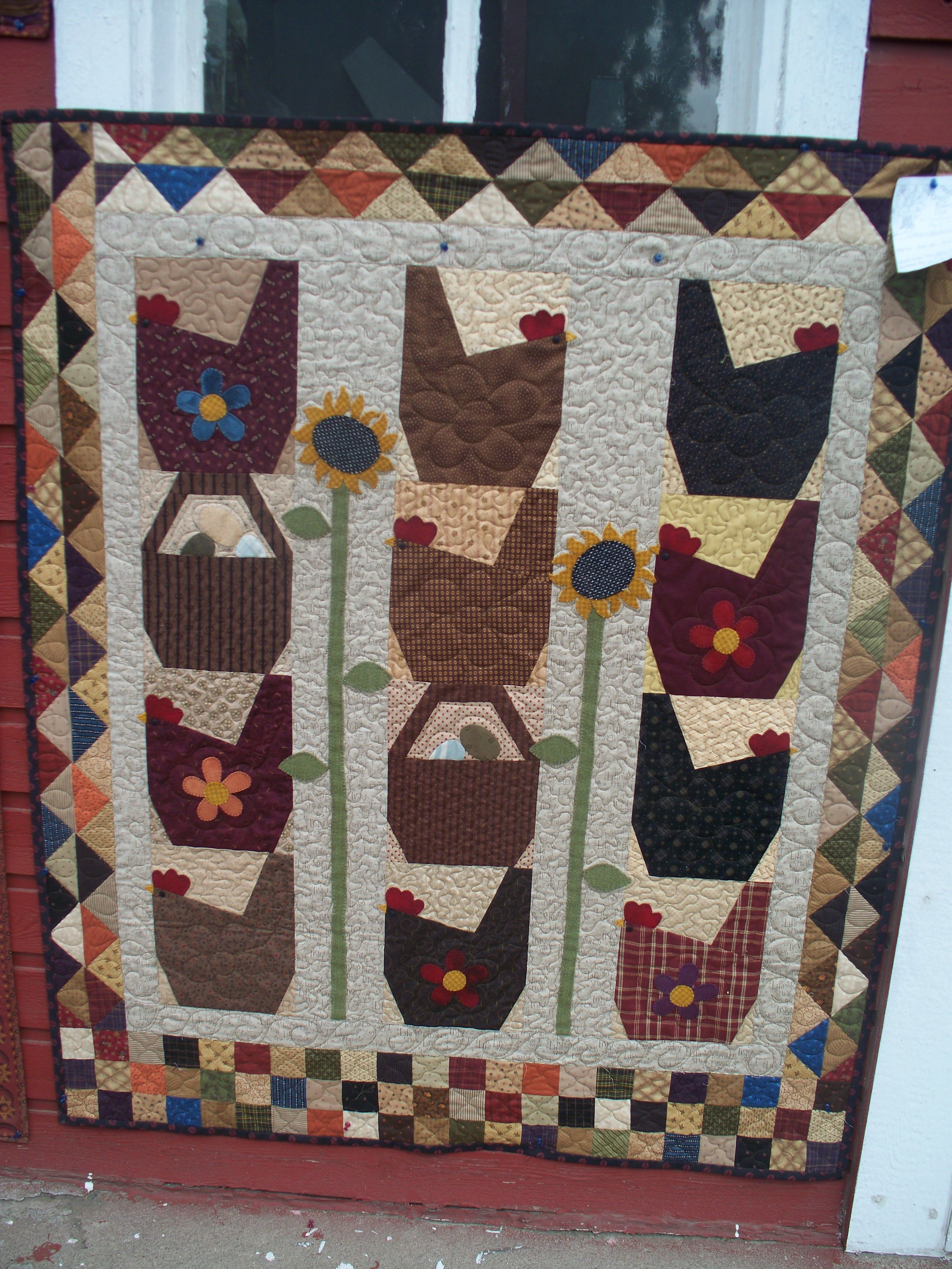The Hen House by Els Feteris for Bobbins photographed at the 2010 ... : buggy barn quilt show - Adamdwight.com