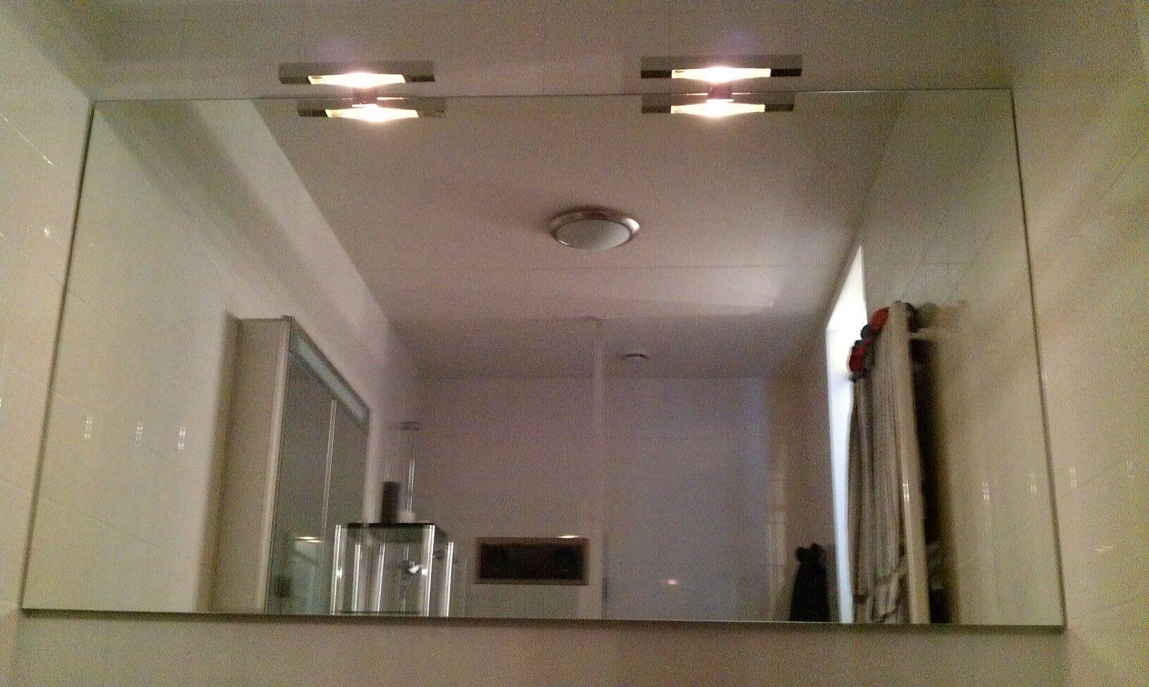 spiegel met halogeen verlichting en schakelaar en