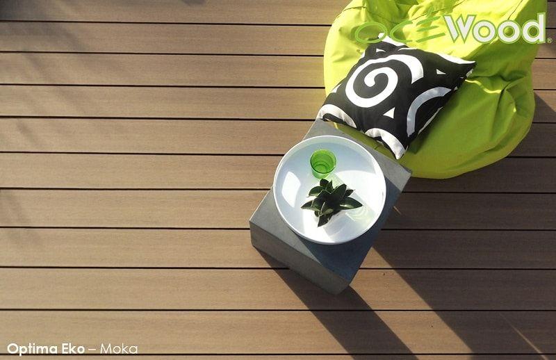 Une Terrasse En Bois Composite Couleur Sable Avec Les Lames Optima Eko Par  Ocewood®