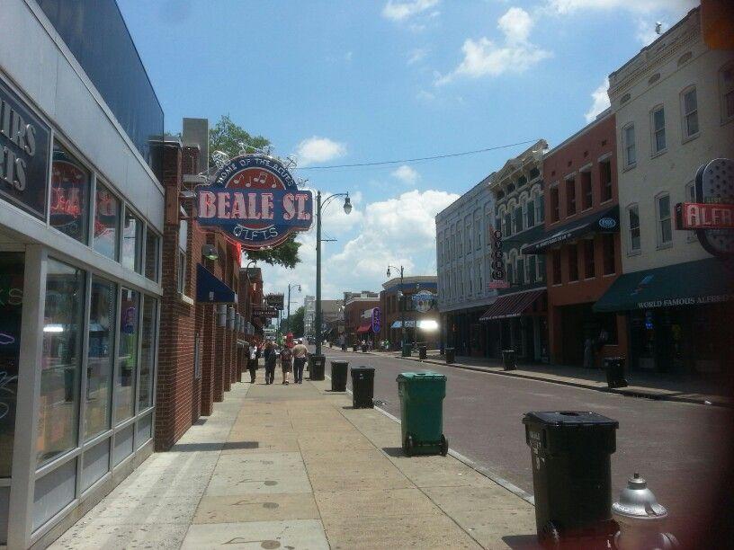 Beale St Memphis Tn Full Of S Restaurants And Juke Joints