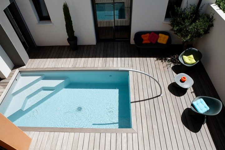 Mini piscine caron piscines talo vihti pinterest petite piscine mini pool and backyard for Petite coque piscine