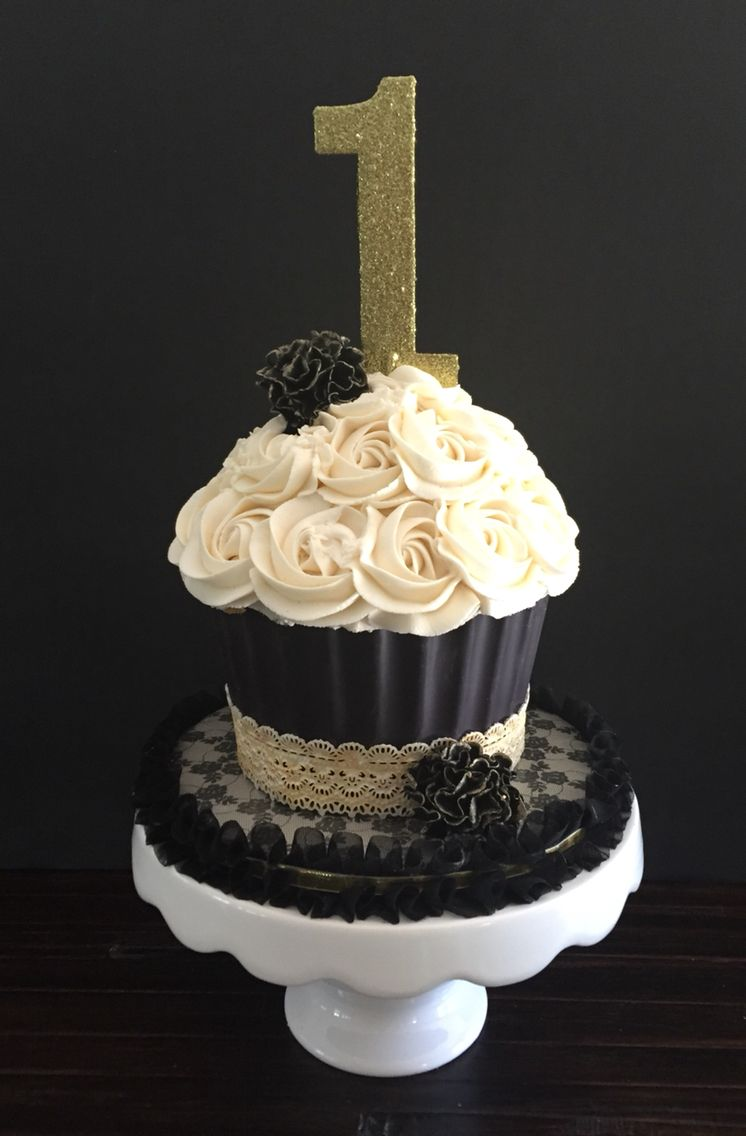 Black And Gold Smash Cake My Sweetfixx Pinterest