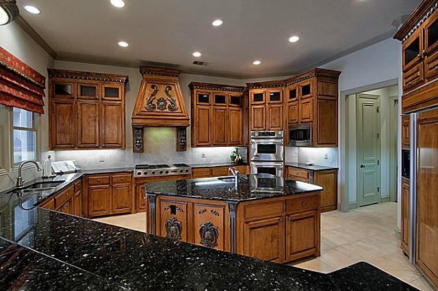 1412 Laurel Lane Southlake Tx 76092 Southlake Texas Home Photos Luxury Kitchens Luxury Homes Penthouse For Sale