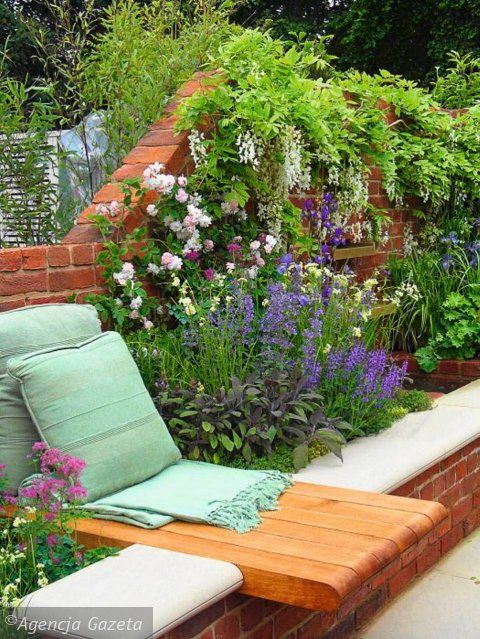 Love The Red Brick Raised Border Perfect For Our
