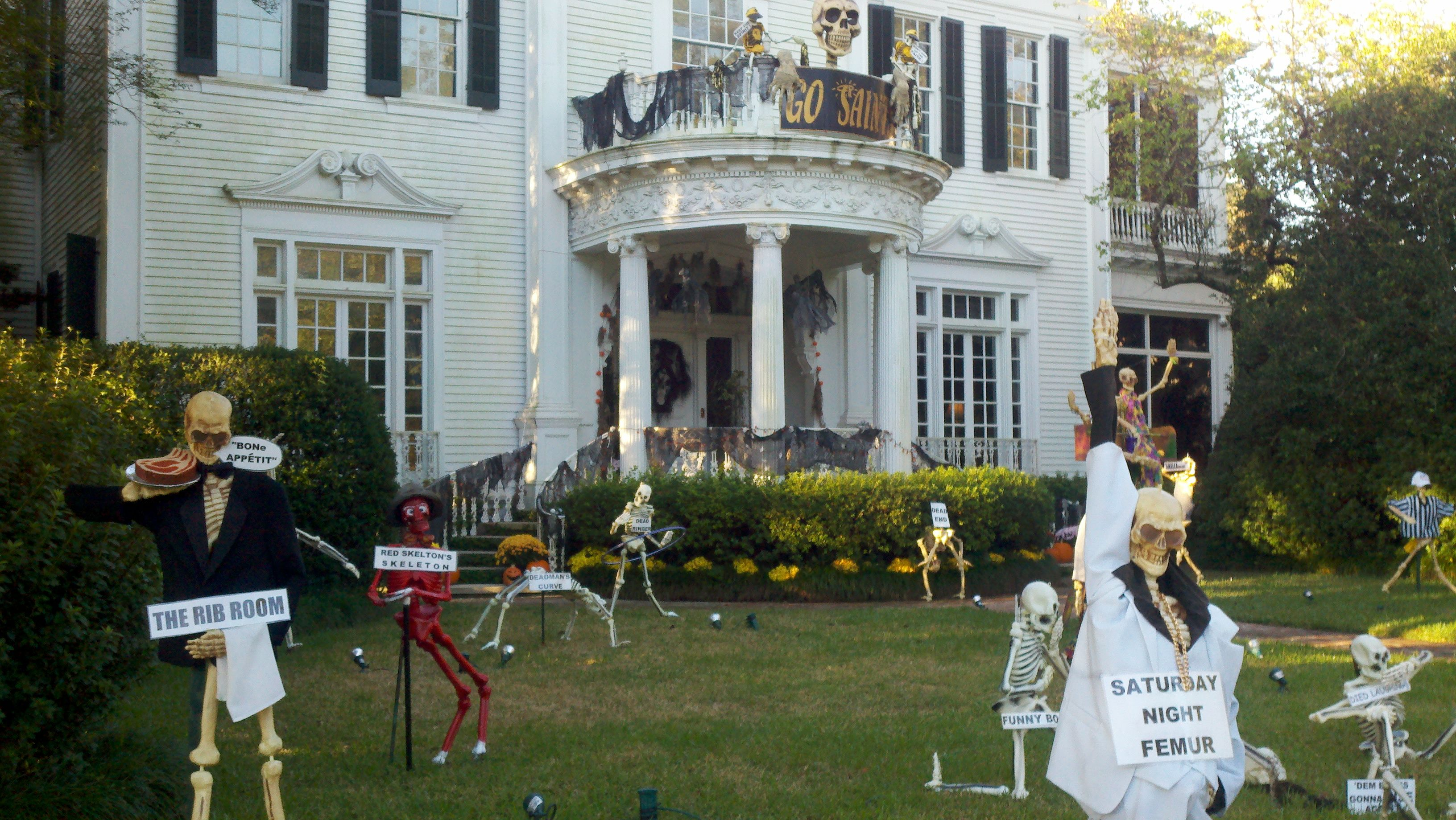 Just for Halloween: Dem Bones at St Charles Avenue and State Street in New Orleans!