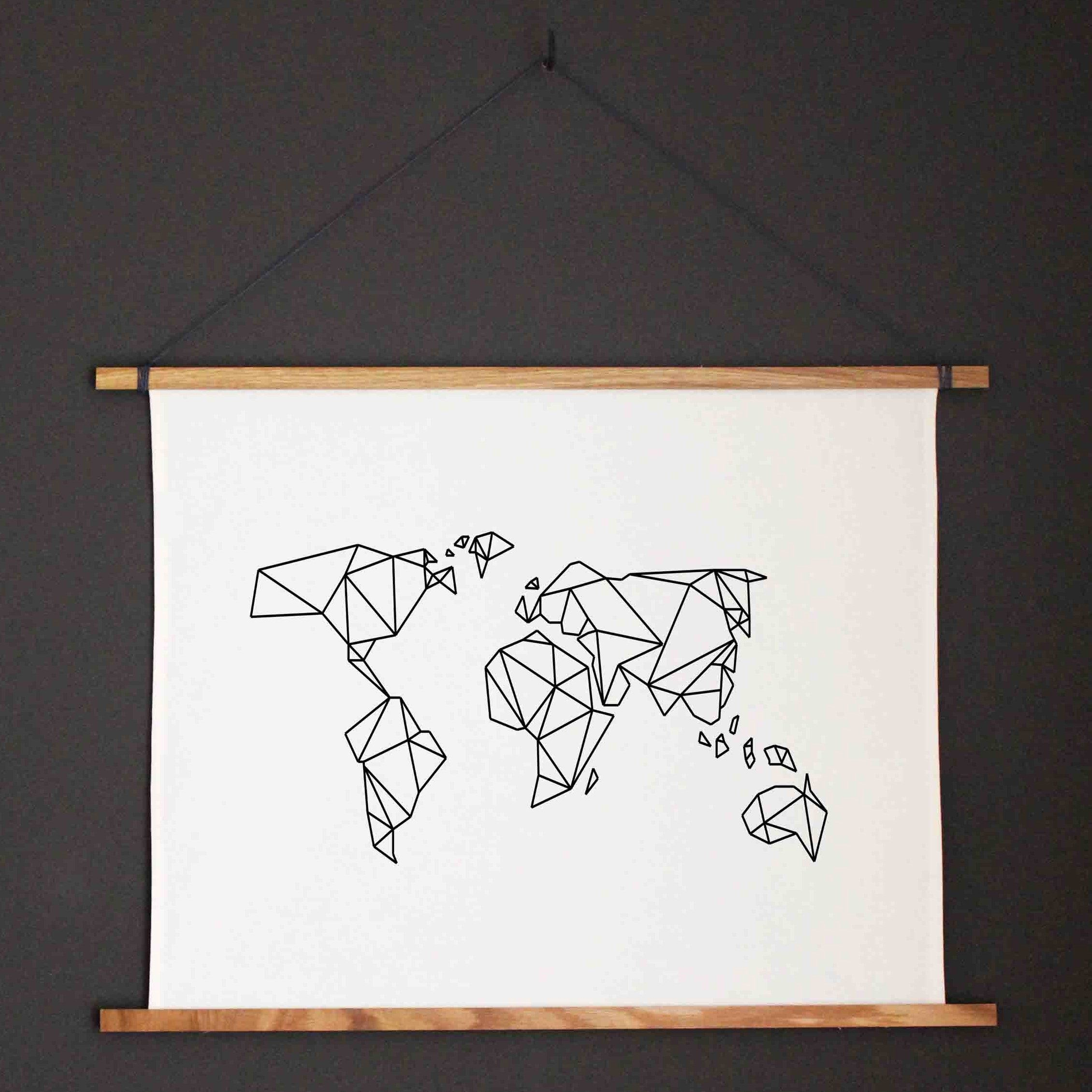 Kunstdruck weltkarte mit holzleiste poster aus stoff mit for Weltkarte leinwand ikea