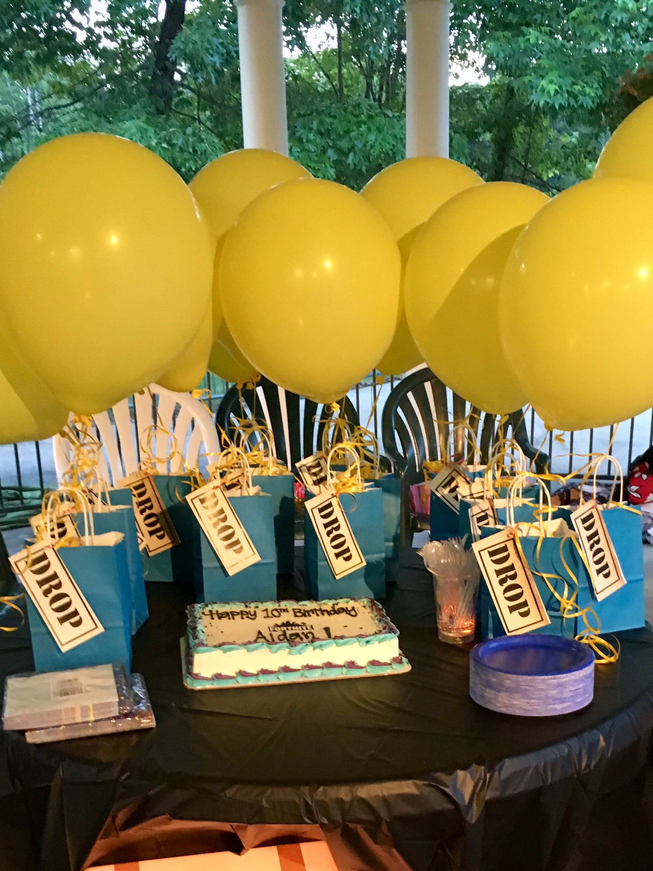 fortnite birthday pool party great way to incorporate the game and getting outside for fun have it at night with water guns glow balls - fortnite geburtstag event