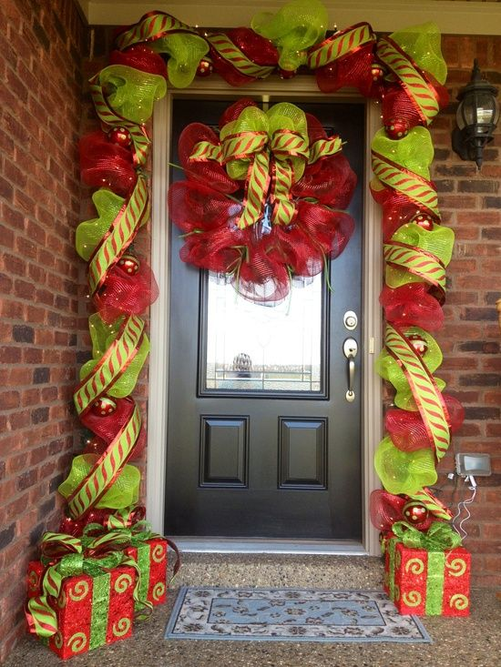 Front Porch Christmas Decorating Ideas a whole bunch of christmas porch decorating ideas | christmas