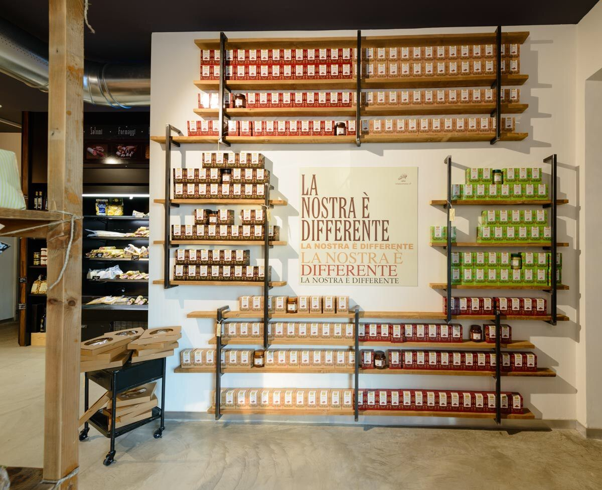 Borsari badia polesine italy retail food design for Costa group arredamenti