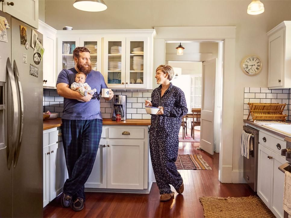 New Episodes Of Your Favorite Hgtv Shows Are Coming Soon Hgtv Home Town Hgtv Hgtv Living Room Hgtv Kitchens