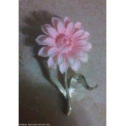 Vintage Beautiful Pink Flower Brooch