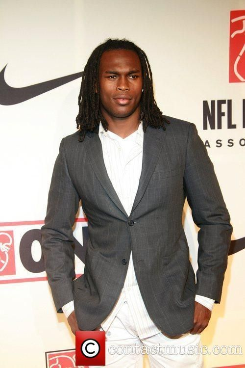 Julio Jones Plays For Atlanta Falcons In Nfl Played For Alabama Great Footbal Co Hinh ảnh