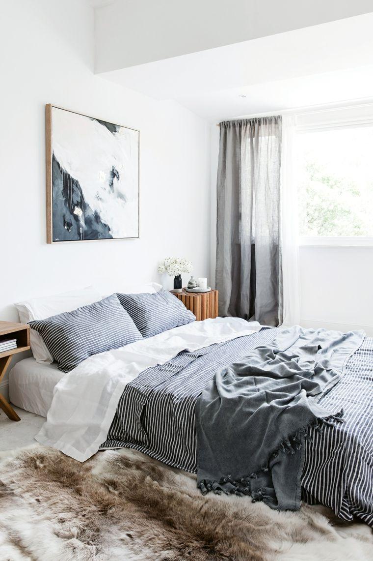 Arredamento shabby con tocchi dal design moderno, parete di colore ...