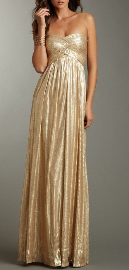 This dress looks great on autumn skin tones. The brown ...