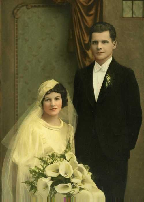 1934 newlyweds Detroit, Michigan From photo source: What amazes me about my parents' wedding is that the set looks like a Hollywood studio p...
