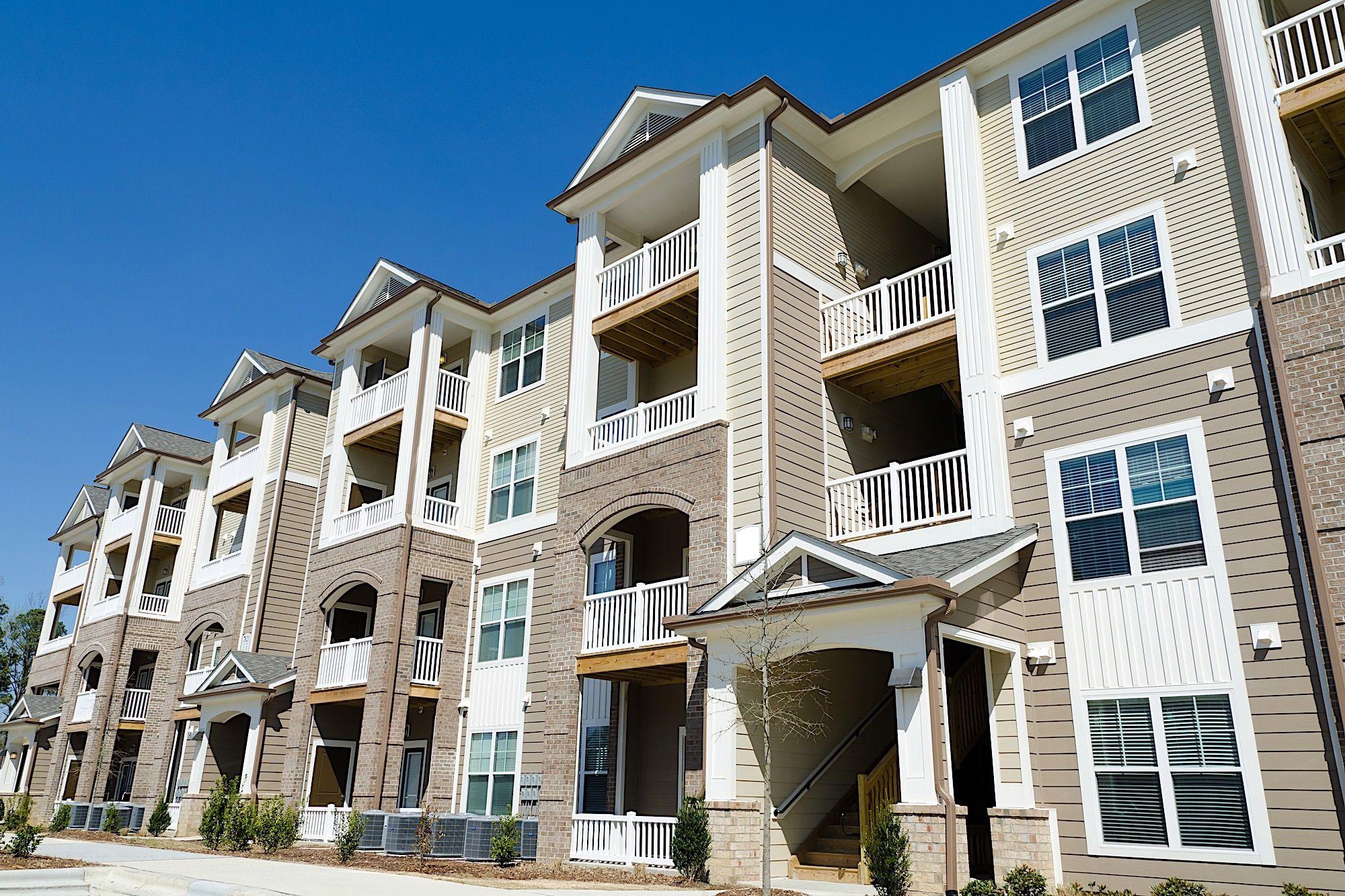 How To Start A Rental Property Business Like A Pro By Jd Esajian Jdesajian Key Takeaways Learning In 2020 Apartment Complexes Travel Nursing Travel Nurse Housing