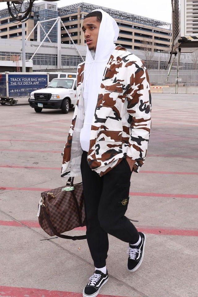 d1ea01f3dce6 Jordan Clarkson wearing Supreme Twill Zip Parka