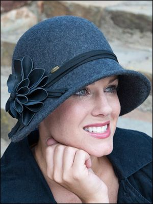 the different types of hats kentucky derby hats cloche. Black Bedroom Furniture Sets. Home Design Ideas