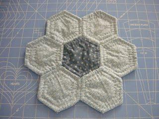 LEquilts: Grandmother's Flower Garden Quilt as you go