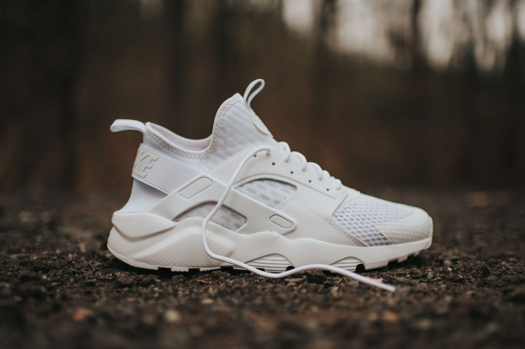 nike huarache ultra white mens