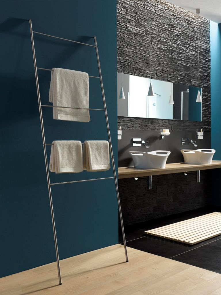 Handtuchleitern Sind Ein Funktionales Designelement Im Bad Und Duschbereich Sie Werden An Die Wand Beliebi Handtuchleiter Handtuchhalter Pool Handtuchstander