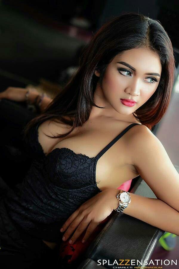 Charles Splazz Widjaja Added  New Photos To The Album Popular Foxy Lady With Putri Zairah Wijaya