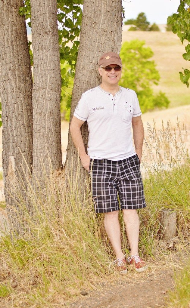 Men S Summer Style In Short For Guys Over 50 Years Old Mens Summer Mens Fashion Summer Summer Fashion