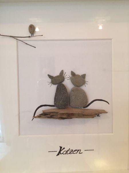 """Ich verkaufe hier ein wunderschönes, handgemachtes Bild mit Steinen und Treibholz.Ich habe...,Steinbild Treibholz Ostsee Pebble Art """"Katzen in Brandenburg - Zeuthen #bastelnmitsteinen"""